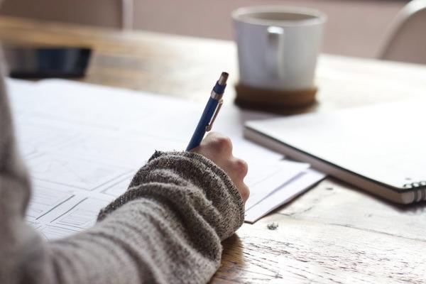 例文つき! サービス業界を目指す就活生のための志望動機の書き方