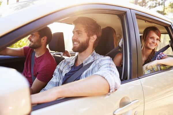 友人の車でドライブ、あなたはガソリン代を払う? 「払わない」が3位に ...