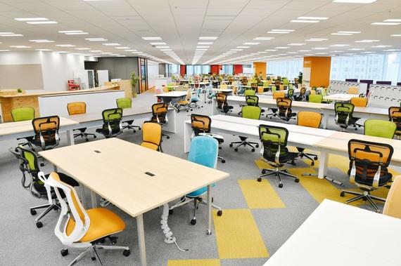 ヤフーのオフィスは新しいアイディアが生まれる工夫がてんこもり! 超おしゃれ空間にヘルシーな社食etc.を体験してきた【女子大生の妄想オフィス体験】