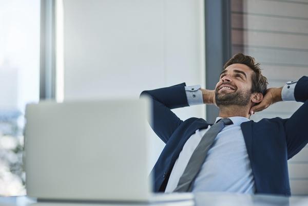 サラリーマンに聞いた、お金がいくら手に入ったら会社を辞める? 最多は◯円「何もしなくても生きていける額」