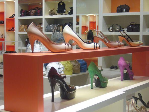 靴擦れには、もう悩まない! 働く女性に聞いた「パンプス選び」の5つのコツ