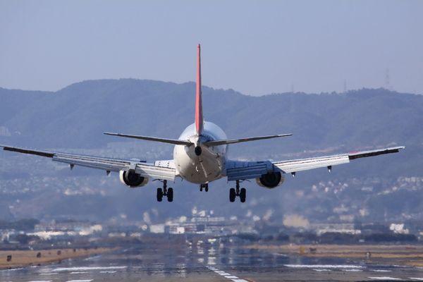 日本の航空会社は世界トップレベル! 意外と知らない「飛行機の定時 ...
