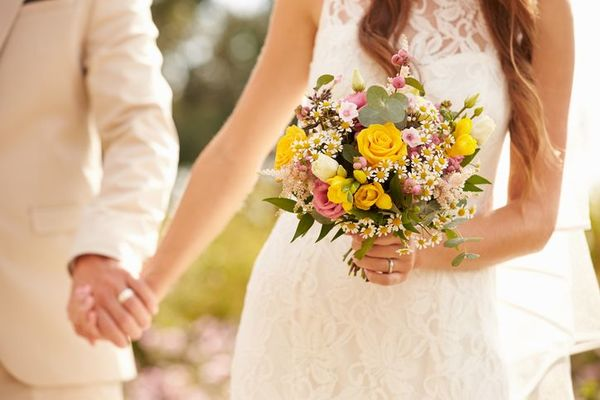 新社会人の本音! 興味ないのに結婚式を挙げる理由は「親のため」?