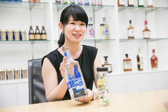 【サントリーの先輩社員】サントリースピリッツ株式会社 ウイスキー輸入酒部:塚原真奈美さん