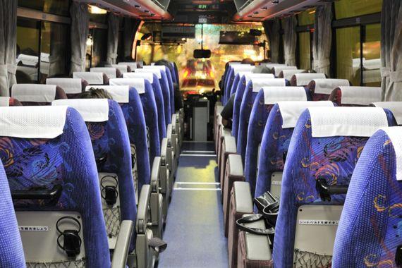 移動に夜行バスを利用したことがある大学生は48.9%! 安さ重視派に人気