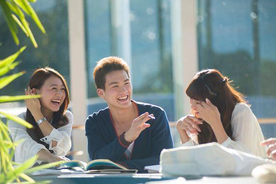 恋も友情も……大学生活で「オレンジデイズ」な日々を送れた学生は20.4%