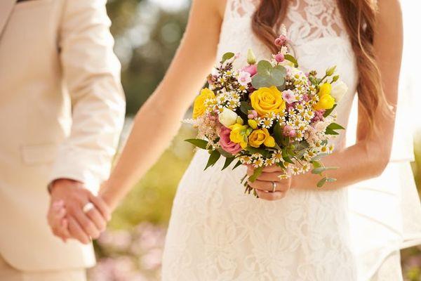 「男女ともに1位は◯年」「ボーダーラインは......」付き合って何年で結婚したい?