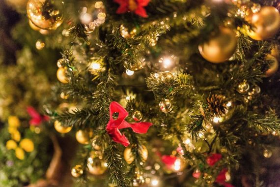 【2020】現役大学生が考えるクリスマスプレゼントの予算&人気プレゼント【男女別】