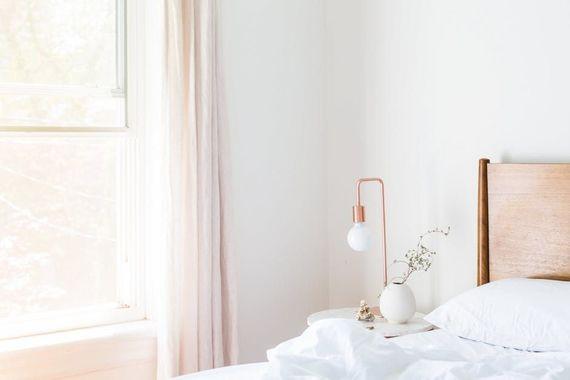 8畳のインテリアレイアウトのコツ 工夫して部屋をより広く活用しよう!