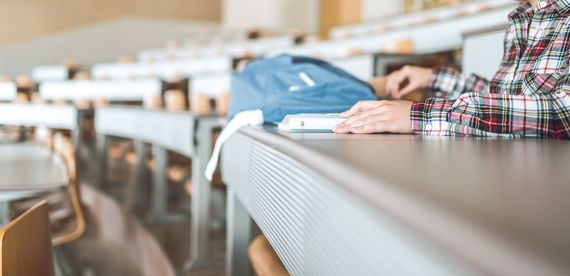 大学を留年……どうすればいい? 親にどう伝えるべき?
