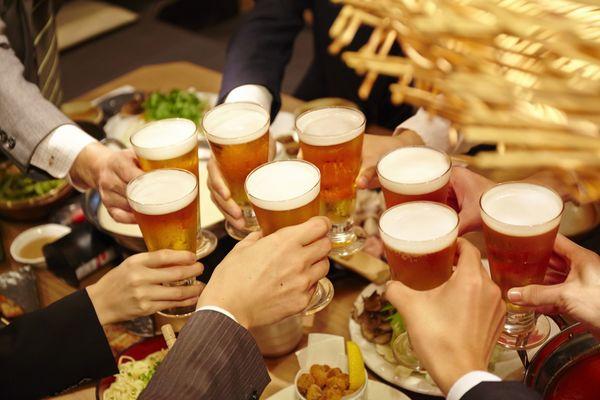 会社の飲み会で「お酒飲まない」人、どう思う? 社会人の9割は「無理 ...