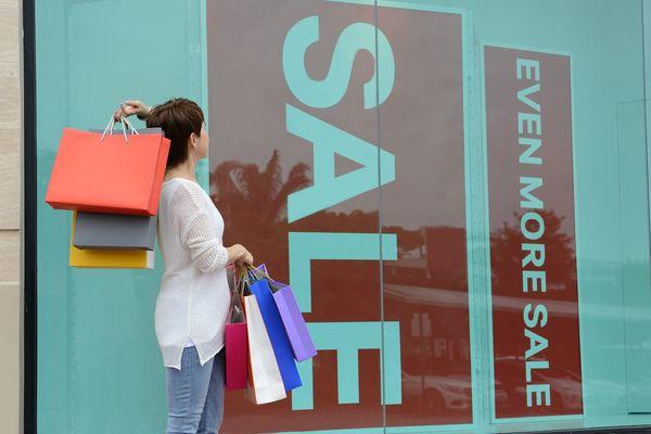 安くてついやってしまう特売セールでの失敗談「買うことに満足」「持ってる物とかぶる」
