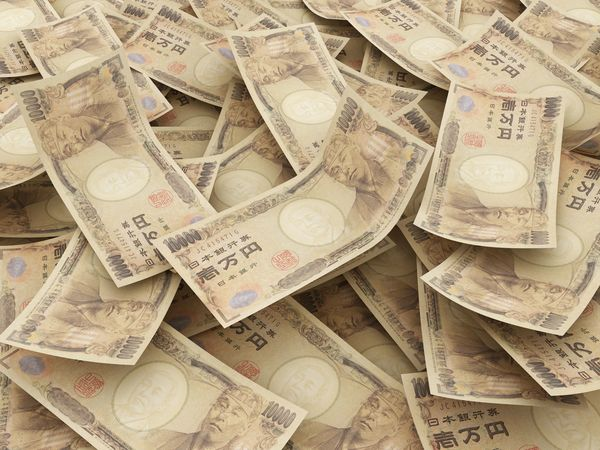 「お金」で変わってしまった人たち 「借金を断る→絶交」「旦那が社長に→自慢ばかり」