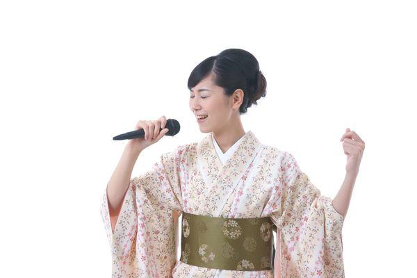みんなは演歌好き? 「演歌離れ」が進む若者。それでも「石川さゆり」と「坂本冬美」は人気