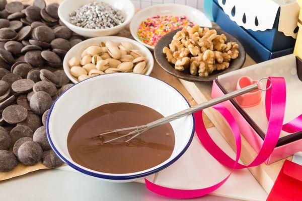 バレンタイン、「手作りチョコ」喜ぶ男性は少数派!? 「指紋べたべた」「市販のおいしさには敵わない」