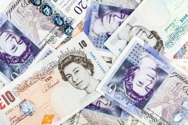 旅行に行く人は必見! 海外の「独自通貨」を使う国とそのレートって知ってる?