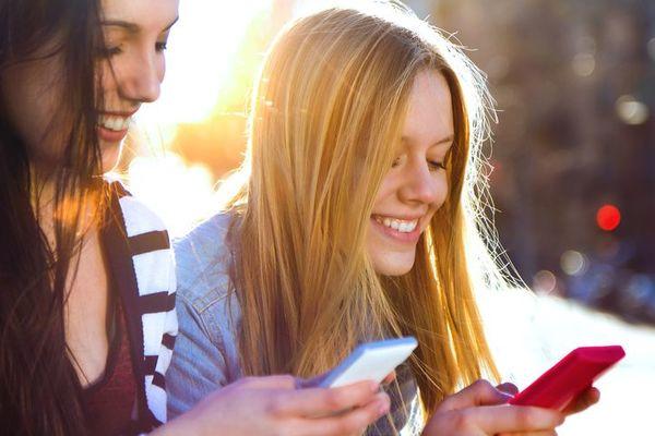 大学生はすでにFacebook離れ!? 使用頻度が減った人は約4割。友人の「更新」が減ったのが原因?