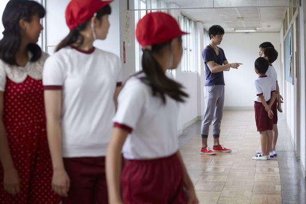 「廊下に立ってろ」「チョーク投げ」......。「体罰」の境界線って? 文科省が定めた体罰例をみてみた