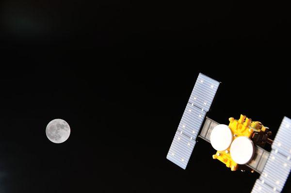 いよいよ出発の『はやぶさ2』。どんな特徴&何のために宇宙に行くの?