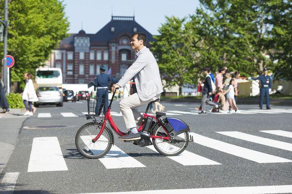 法律や条例で、「こんなことまで決めなくても」と思うこと。「自転車の傘さし運転」「同性婚」