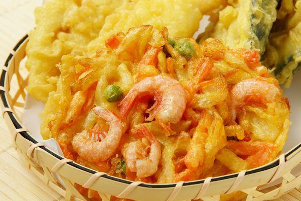天ぷらに味噌、すき焼きにジャガイモ......地元じゃ常識!? 「食べ物にまつわるローカルルール」