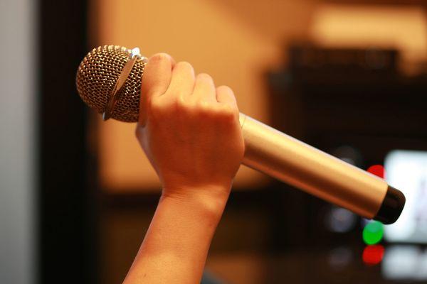 ひとカラ経験者は16.6%。「自分に酔える」「踊りながら歌える」ひとカラの魅力ってなに?