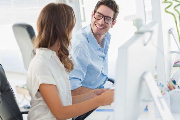 職場での雑談についてどう思う? 半数以上が「賛成」の意見
