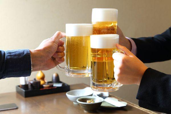 下戸に聞いた、飲み会で嬉しい気遣い。「お酒の強要NG」「会計を安く」