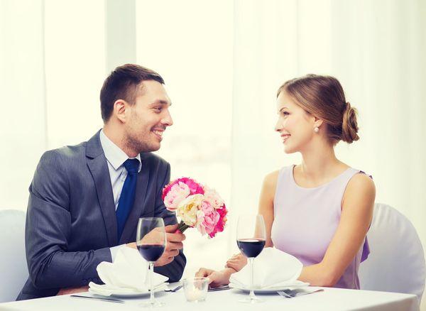 「愛する人」と「愛してくれる人」、どちらと結婚したい?  愛してくれる人:79%「愛してくれればお返しができる」