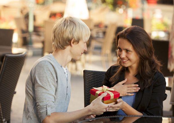 妥協してお付き合いをしたことはある人は約3割。どうして付き合ったの?