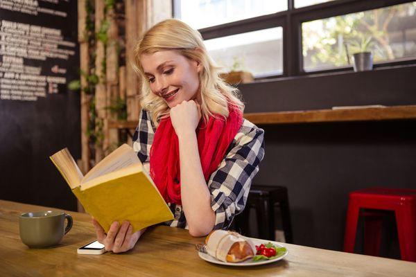 もしかして「恋愛ニートかも?」と思う瞬間「デートより読書したい」「恋愛話にげんなり」