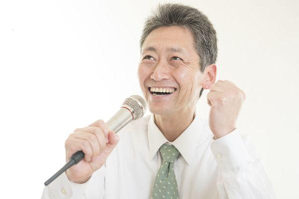 上司とのカラオケ、これさえ歌っておけば間違いなし!  みんなの「無難ソング」は?