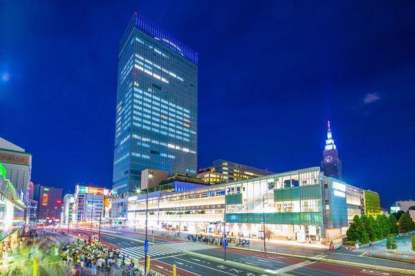 「駅と駅の間が徒歩圏内」「新宿駅の出口がわからない」東京に来てびっくりしたこと