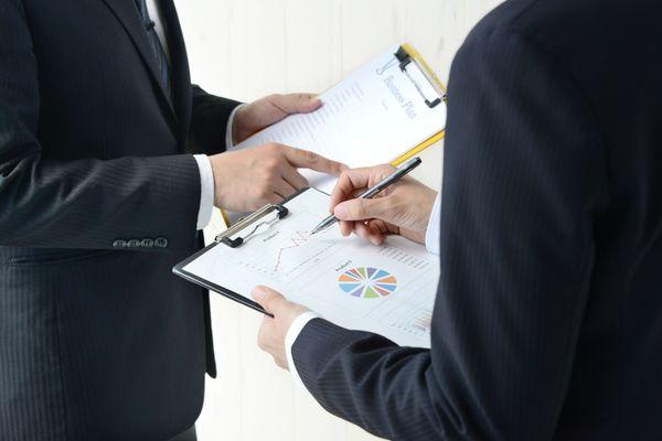 「折衝」とは? 言葉の意味やビジネスシーンでの使い方を解説