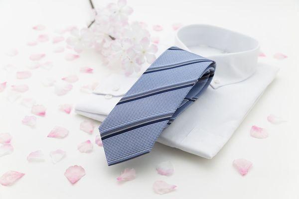 入社式ではどんなネクタイを選ぶべき? 色や柄に決まりはある?