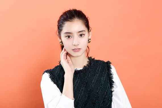 「人との出会いが『人間性』を育てる」女優・新木優子が大学生活で得た気づき あの人の学生時代。#32