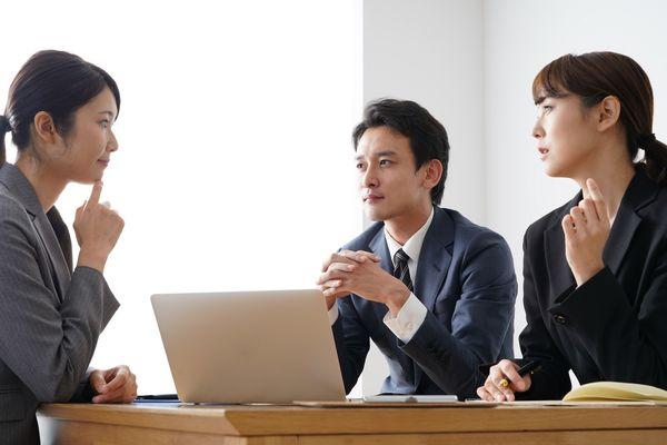 【就活グループワークが苦手な人向け】進め方のコツと対策、注意点を解説!
