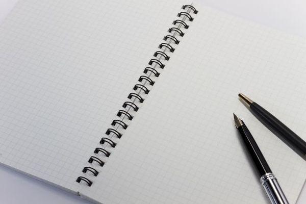 履歴書の封筒に宛先・宛名を書く時、どんなペンを使えばいいの?