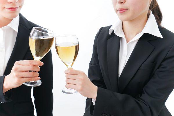内定者懇親会の常識|話す内容、服装、お酒の席でのマナーまで徹底解説