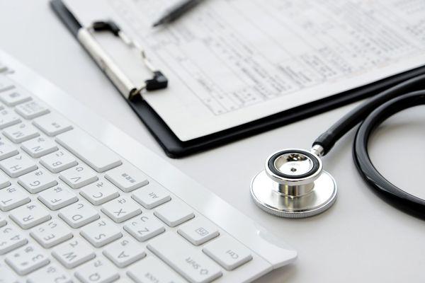 健康診断書のもらい方とは? 健康診断の受診場所はどこにすればいい?