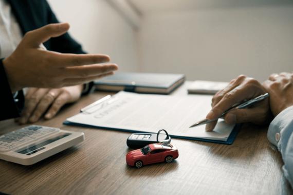 自動車保険の乗り換えをスムーズに! 必要な書類や手続き、解約時のポイントとは?