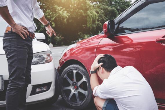 事故や修理の際の正しい「自動車保険」手続きの進め方を解説