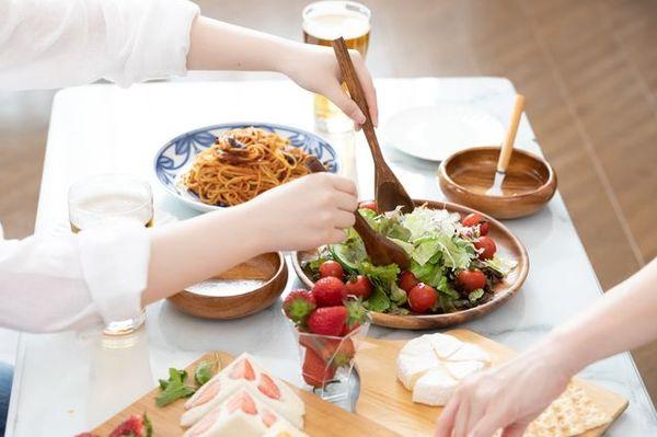 料理の取り分けは、女性の役目? #モヤモヤバスターズ