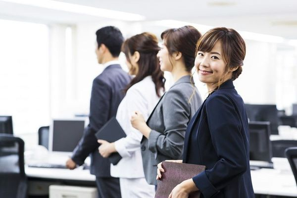女性らしい働き方って何だろう? 働く上で気配りやかわいげって必要???  #キャリアロードマップの一歩目
