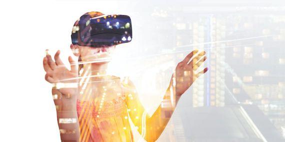 【活用事例付き】「AR」と「VR」の違いをわかりやすく解説!さらなる新技術「MR」とは?