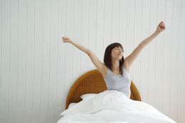 朝起きるのが苦手。そんな大学生にオススメの目覚ましアプリ3選