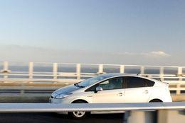 【Q&A】運転免許はマニュアルとオートマどっちでとったほうがいいですか?